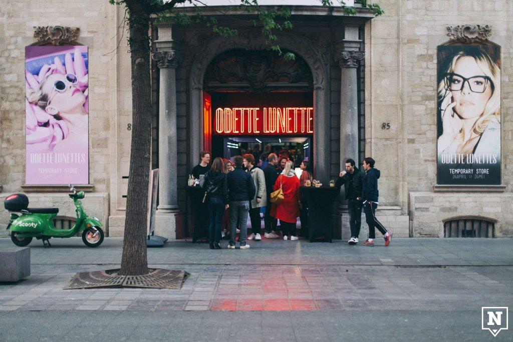 Odette Lunettes pop-up